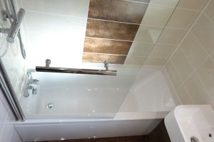 fitted straight bath 1600mm by 700mm