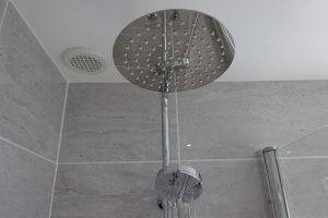 Bathroom with Tavistock Quantum Thermostatic Shower SQT1509