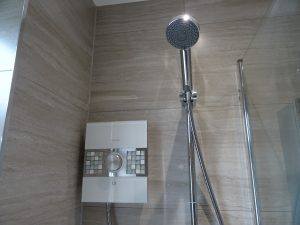 Aqalisa Sassi 10.5kW electric shower