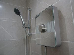 Fitted Ensuite With Aqualis Lumi Electric shower